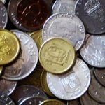 Mynt i en hög