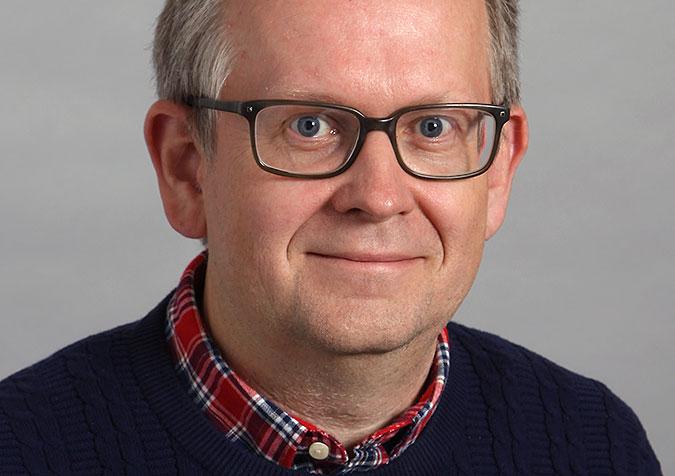 Porträttbild av Jörgen Lundälv